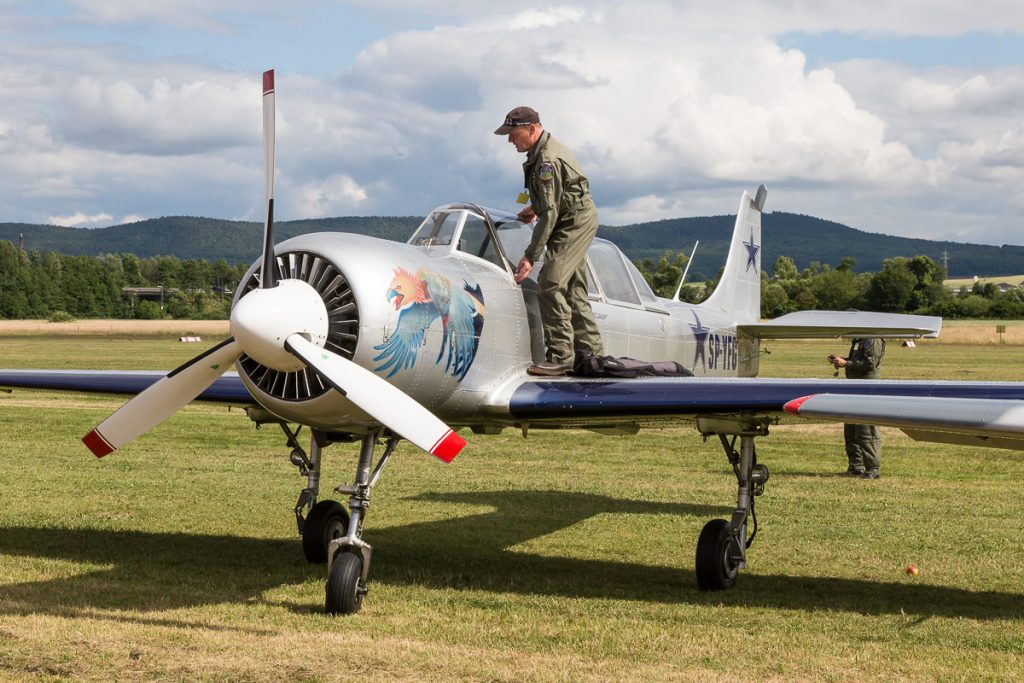 Airshow Gelnhausen 2015 - Yak-52 (SP-YFG)