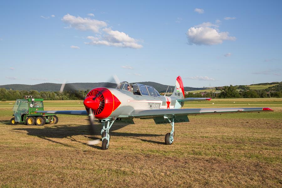 Yak-52 (HA-NSF)